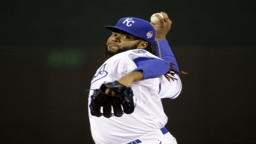 Oct 28, 2015; Kansas City, MO, USA; Kansas City Royals starting pitcher Johnny Cueto throws a pitch against the New York Mets in the first inning in game two of the 2015 World Series at Kauffman Stadium. Mandatory Credit: David Goldman/Pool Photo via USA TODAY Sports - RTX1TPVK